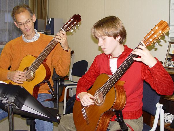 cultuurlocaal-barendrecht-docent-klassieke-gitaar-tom-a-tjak